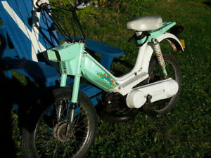 1977 Honda PA50 L Camino / Hobbit Moped - No license required!