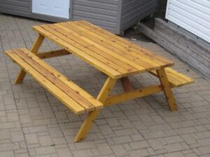 TABLE DE PIQUE-NIQUE (PICNIC) en CÈDRE