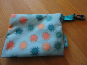Brand new set of 2 Jansport green polka dot pencil cases pouch London Ontario image 3
