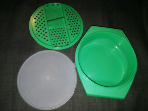 Tupperware - Grater and Bowl with Seal
