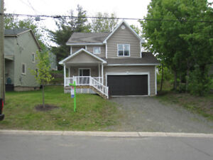 3 Bedroom, 2.5 Bath, with Garage in Riverview