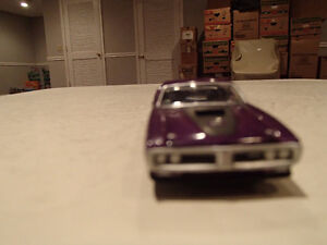 Loose Greenlight  '71 DODGE CHARGER SUPER BEE STOCK & CUSTOM Sarnia Sarnia Area image 7