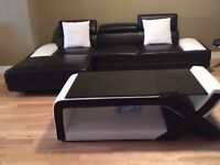 Leather Sectional w Coffee Table (Black)