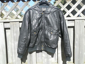 Vintage Leather Bomber Style Jacket Size S/M Kitchener / Waterloo Kitchener Area image 1