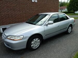 2000 Honda Accord LX Berline