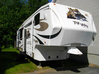 Fifth Wheel Fox Valley