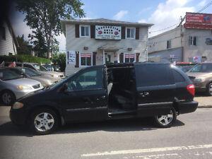 Dodge Grand Caravan  07   Stow  go    PRET  POUR  VACANCE
