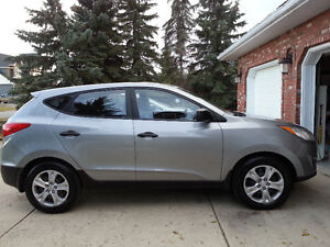 2011 Hyundai Tucson GLS SUV, AWD RELIABLE INCLUDES SUMMER TIRES!