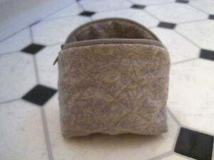 Mini Cosmetic Bag Kitchener / Waterloo Kitchener Area image 2