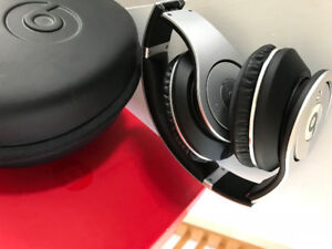 Beats by Dre - Studios Headset- with box and accessories