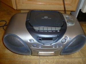 Panasonic RX-D20 radio /CD player /cassette player / recorder bo