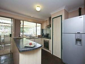 FAMILY HOME WITH HEAPS OF EXTRAS - 10 CABLE CLOSE SEVILLE GROVE Seville Grove Armadale Area Preview