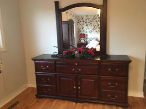 Stunning Mahogany dresser with mirror, drawers, and cabinet