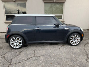 Mini Cooper S! 6 Speed Manual! No Accidents!
