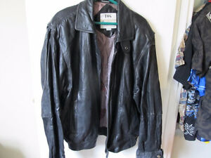 london fog mens black leather jacket  size lge