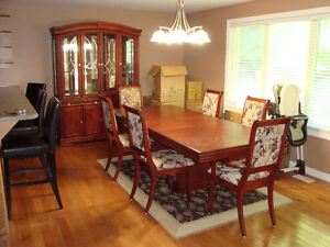 Dinning Room Table and Hutch (Located in Trenton Ontario) Kingston Kingston Area image 2