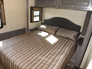 2017 Winnebago Sunstar LX 30T - 3 Slideouts, Full Body Paint London Ontario image 10