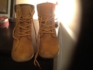 Brand new fashion boots never worn