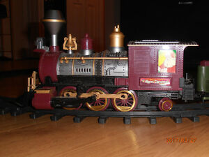 Train Set Battery Operated still works