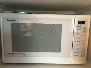 Panasonic Dimension 4 Genius Convection / Broil / Microwave Oven