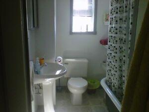 2 bedroom upper  available Jan 1st Peterborough Peterborough Area image 2