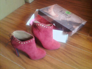 Ladies Ankle Suede Boots