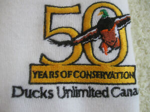 2 LARGE CLASSY V-NECK CAN.-MADE DUCKS UNLIMITED MAN'S SWEATER