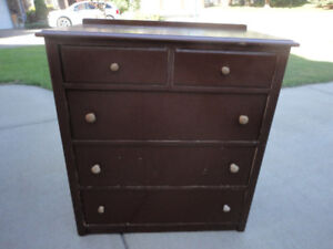 5 Drawer Solid Wood Antique Dresser In Excellent Condition