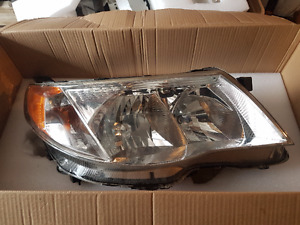 Lumières avant (headlight) Subaru Forester 2009 à 2013
