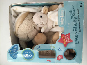 NEW - Sleep Sheep with Bonus Louvie