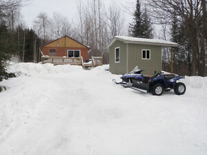 ICE FISHING/SNOWMOBILE PARADISE- Cottage off Haliburton B Trail