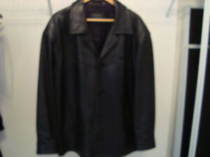 Manteau de cuir/ Black leather jacket