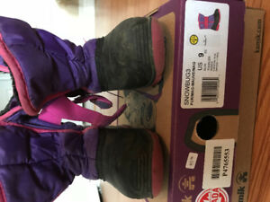 Size 9 Kamik girl's boots
