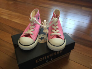 Infant Converse Pink Size 8