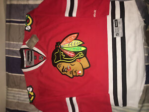 Chicago Blackhawks Premier Jersey (Size M)