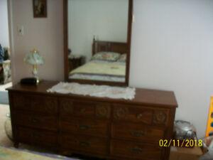 Bedroom Suite Excellent Condition