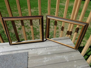 Two old wooden frames without glass Cornwall Ontario image 1