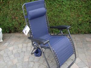 2 chaises longues (pliante) en tissu  (neuves-jamais servi)