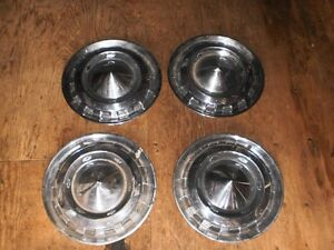 SETS OF CLASSIC CAR HUBCAPS