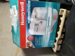 Honeywell 2.0 gallon humidifier