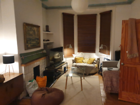 Large room to rent in 3 bed Victorian house.