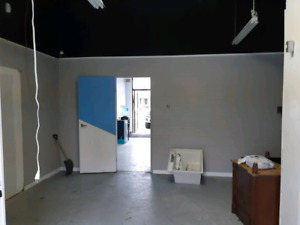 Commercial, Rental/Space, Montee St-Hubert