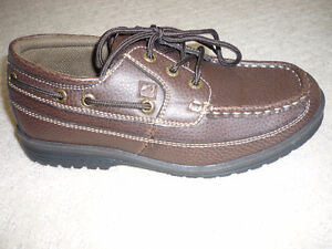 Boy's Sperry Top Sider Leather Shoes NEW - size 4.5 Wide