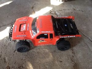 RC Traxxas Slash 4x4 trade