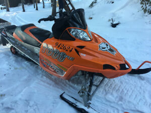 Arctic cat crossfire (low mileage, great sled)