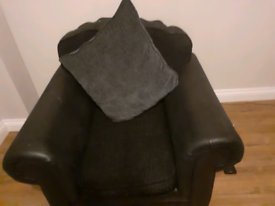 FREE CORNER SUITE WITH CHAIR