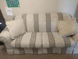 Sofa buy and sell furniture in calgary kijiji classifieds for Sofa bed kijiji calgary