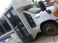 2005 Ford bus for sale