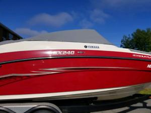 2014 Yamaha jet boat and trailer