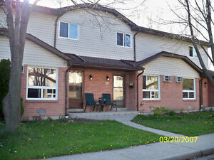 BEAUTIFUL 3 BEDROOM FAMILY ORIENTED UNIT NEAR SANDPOINT BEACH
